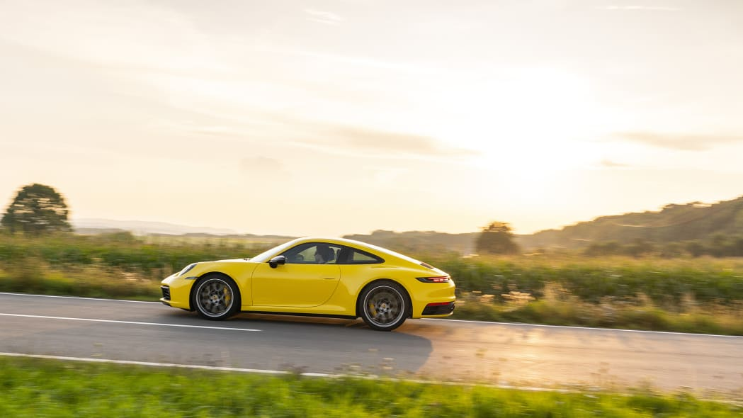 2020-porsche-911-carrera-fd-yellow-44