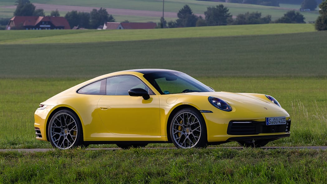 2020-porsche-911-carrera-fd-yellow-45