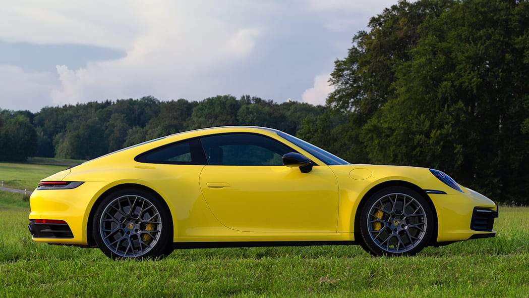 2020-porsche-911-carrera-fd-yellow-48