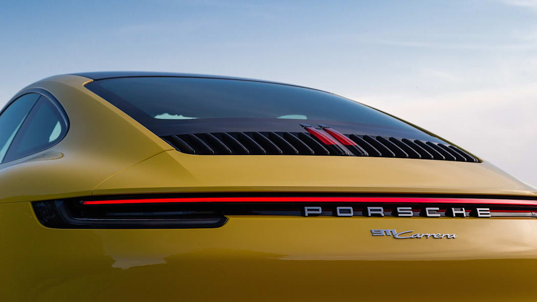 2020-porsche-911-carrera-fd-yellow-55