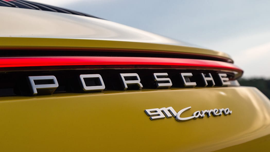 2020-porsche-911-carrera-fd-yellow-56