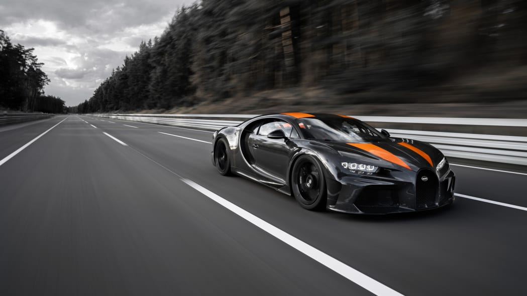bugatti-chiron-304-mph-1