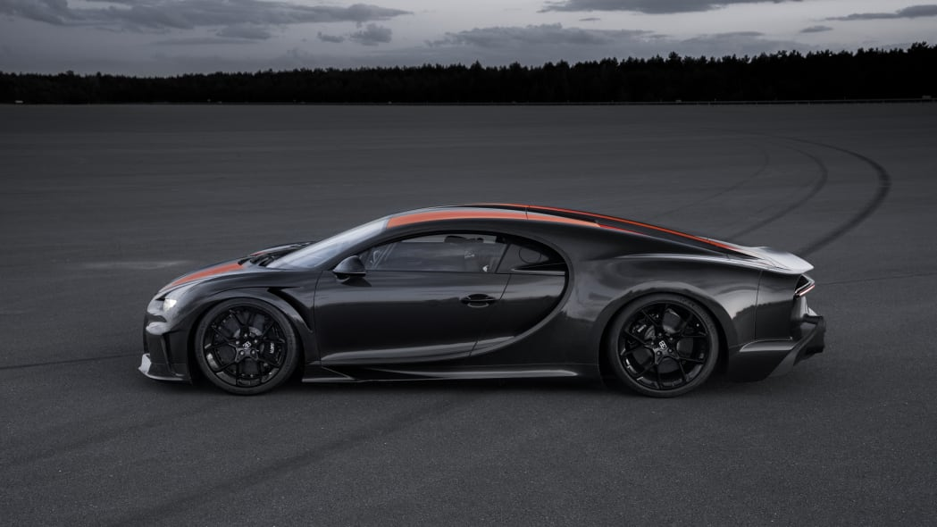 bugatti-chiron-304-mph-4
