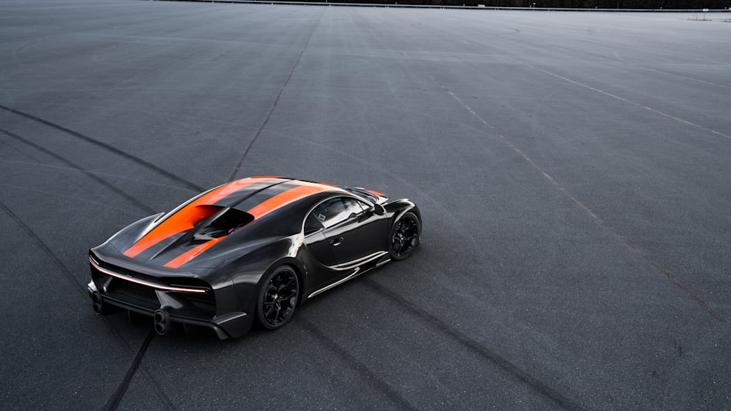 bugatti-chiron-304-mph-5