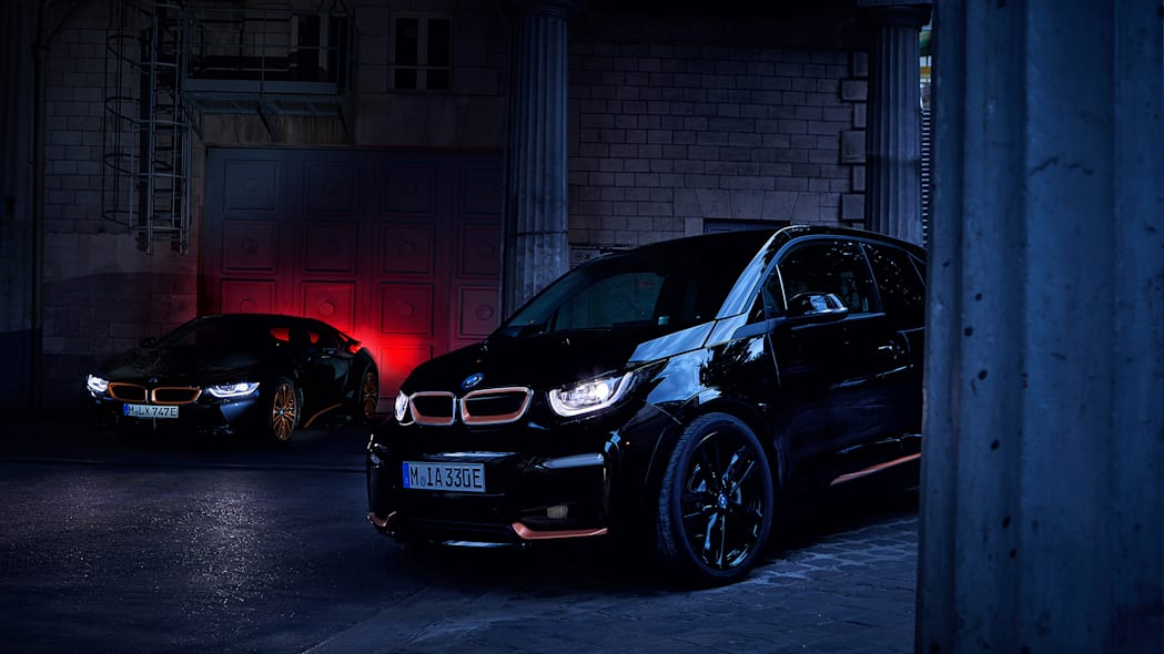 BMW unveils i3 Edition RoadStyle and i8 Ultimate Sophisto Editions