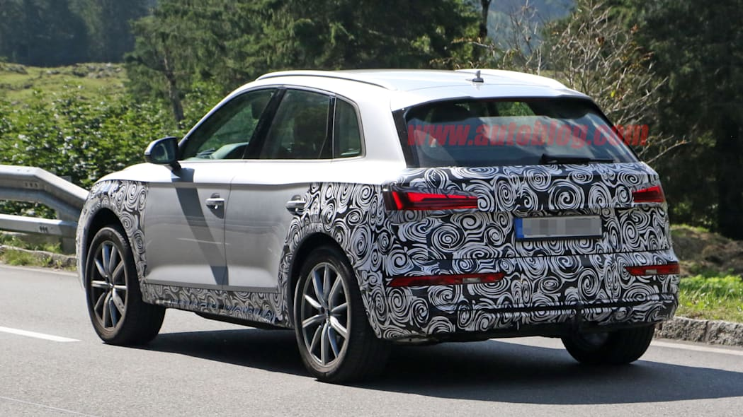 2021 Audi Q5 in thin camouflage