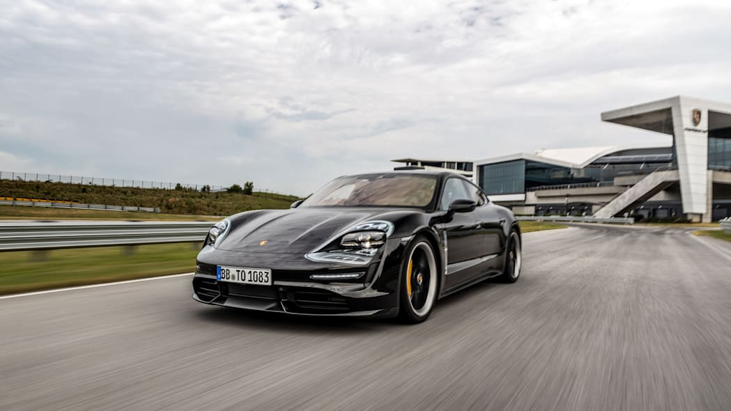 Porsche_Taycan_Workshop_PECATL_002