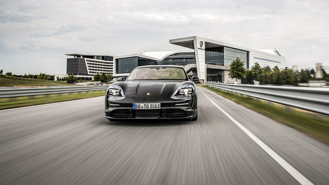 Porsche_Taycan_Workshop_PECATL_008