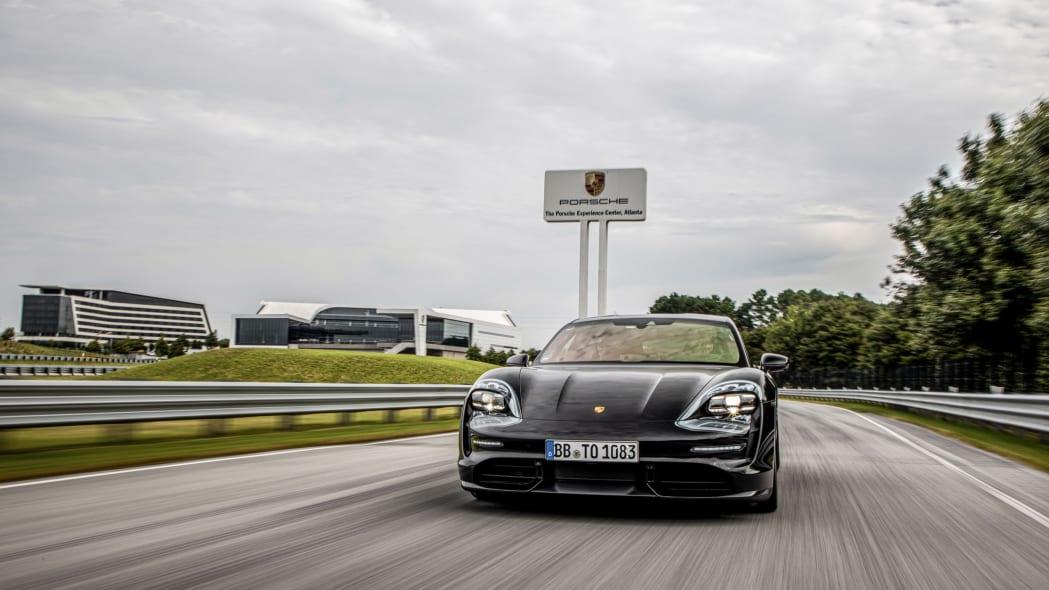 Porsche_Taycan_Workshop_PECATL_017