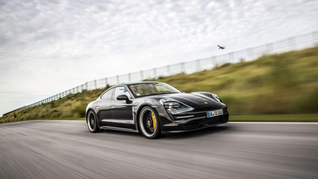 Porsche_Taycan_Workshop_PECATL_040