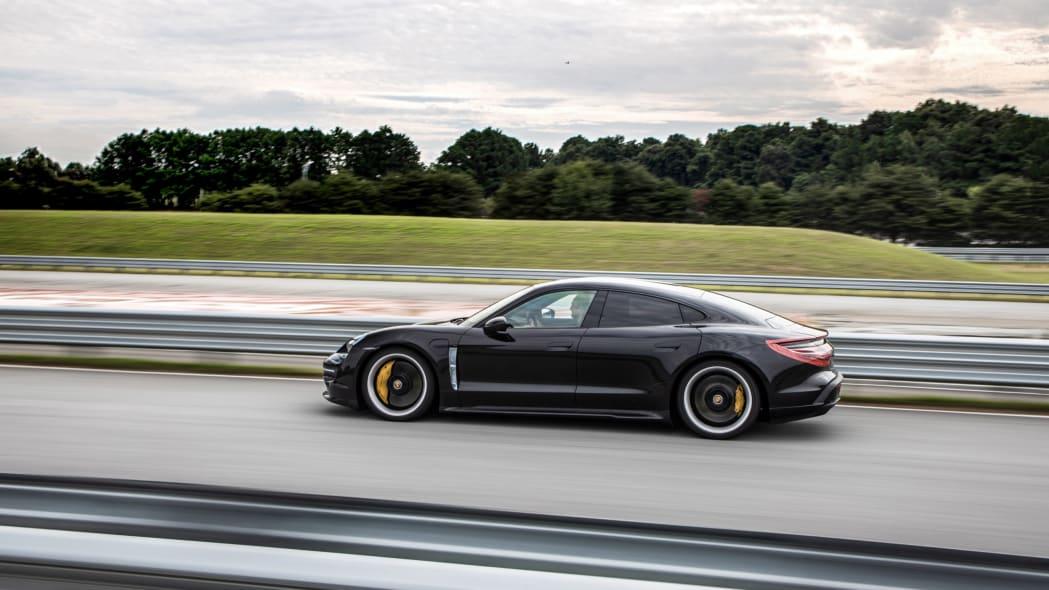 Porsche_Taycan_Workshop_PECATL_071