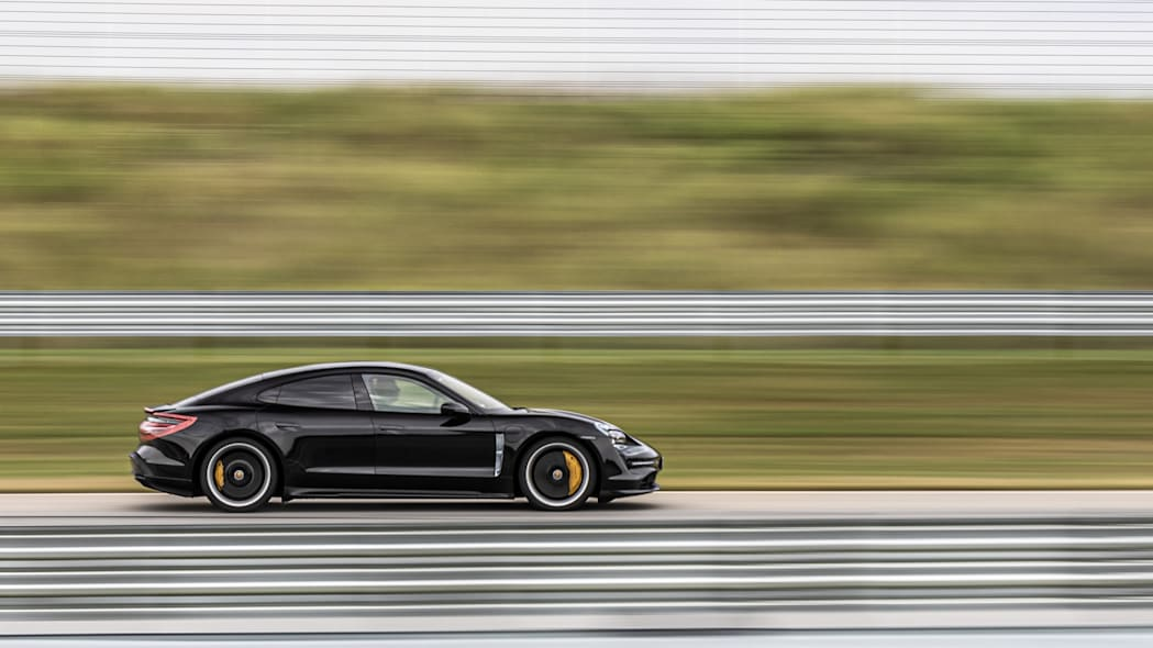 Porsche_Taycan_Workshop_PECATL_072
