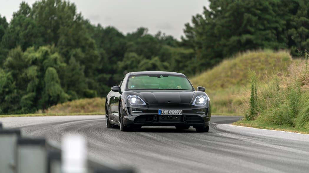 Porsche_Taycan_Workshop_PECATL_094