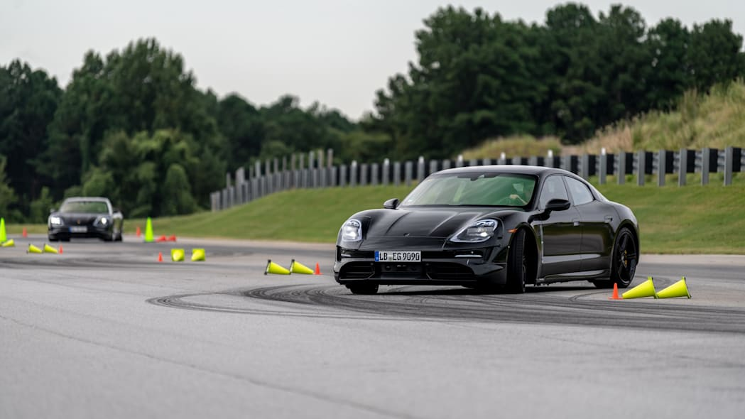 Porsche_Taycan_Workshop_PECATL_110