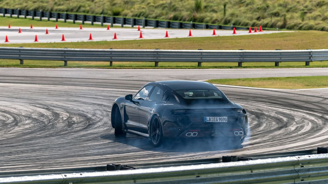 Porsche_Taycan_Workshop_PECATL_131