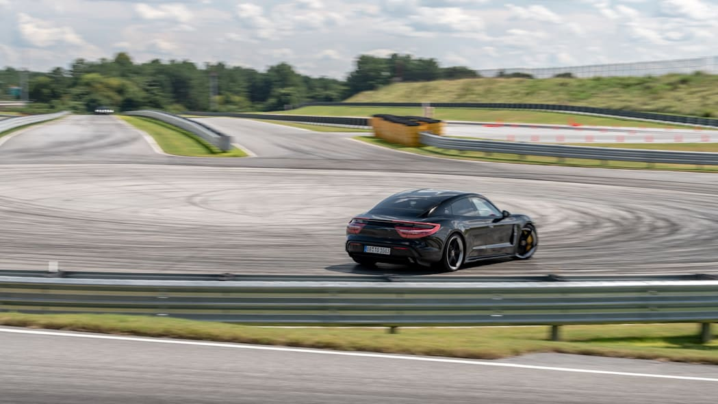Porsche_Taycan_Workshop_PECATL_133