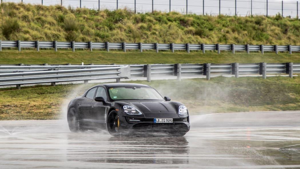Porsche_Taycan_Workshop_PECATL_140