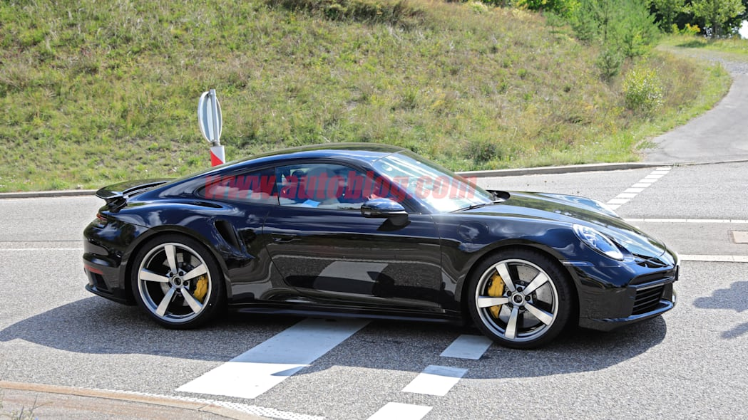 992 Porsche 911 Turbo spied