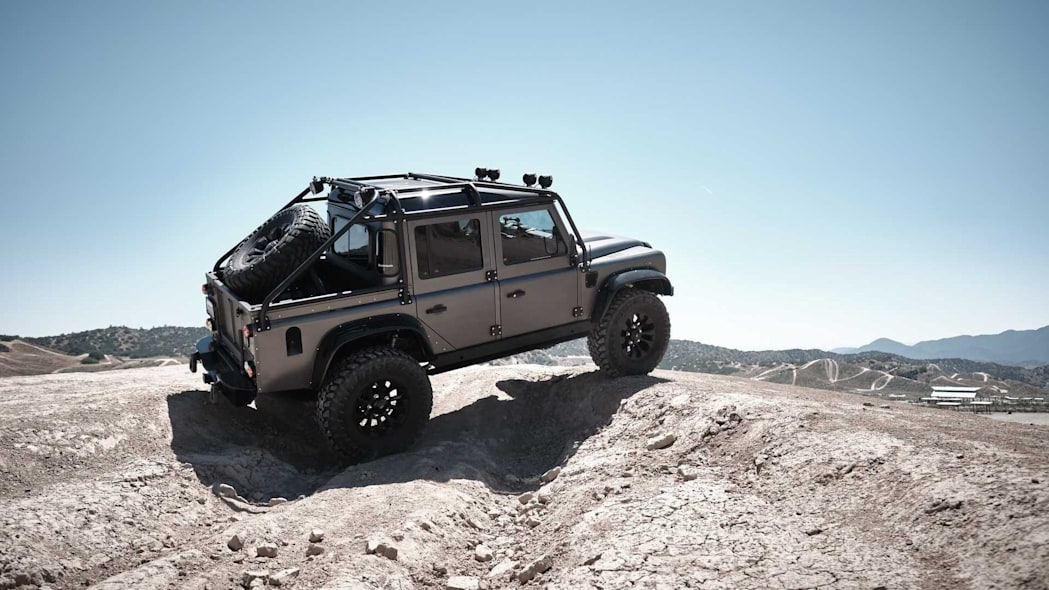 2019 Land Rover Defender Spectre by Himalaya (3)