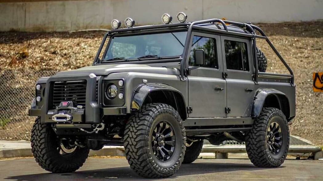 2019 Land Rover Defender Spectre by Himalaya (8)