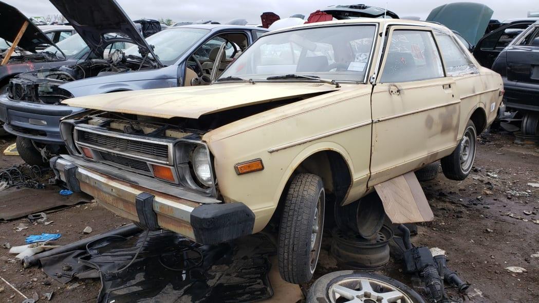 00 - 1979 Datsun 210 in Colorado junkyard - Photo by Murilee Martin