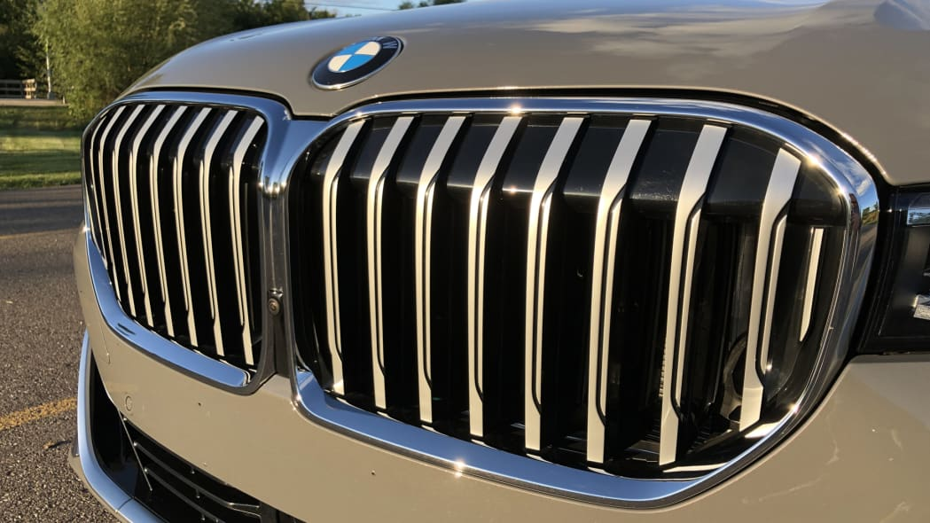 bmw-7-grille