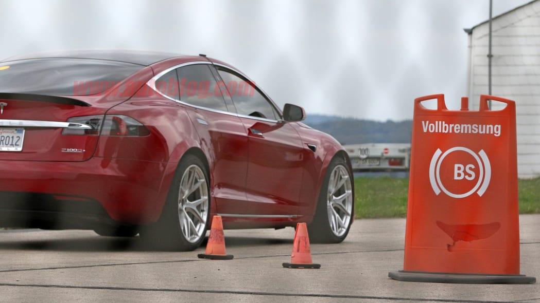 Tesla Model S Nürburgring preparation 3