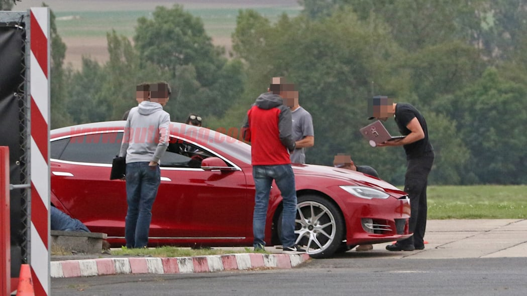 Tesla Model S Nürburgring preparation 7