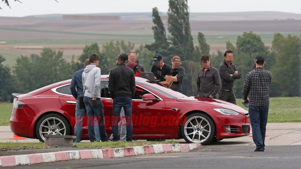 Tesla Model S Nürburgring preparation 8