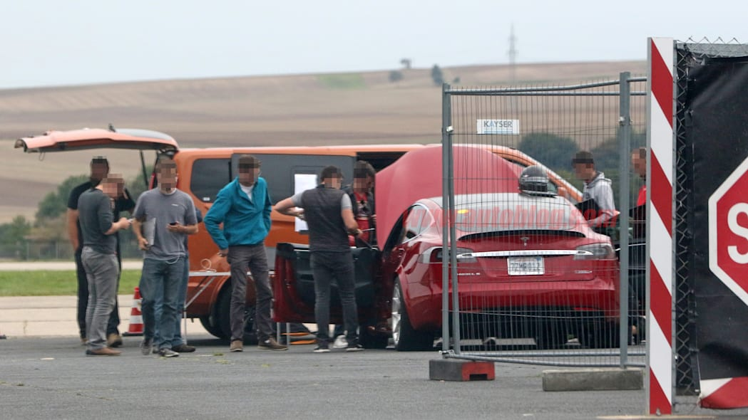 Tesla Model S Nürburgring preparation 16