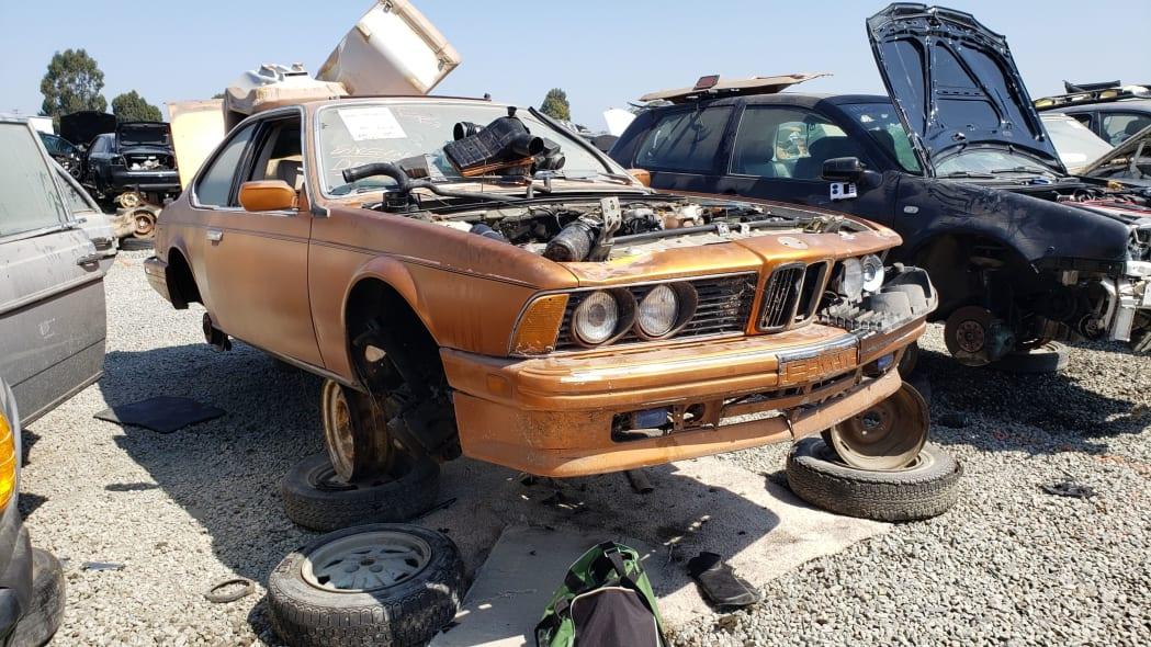 00 - 1989 BMW 635CSi in California wrecking yard - photo by Murilee Martin
