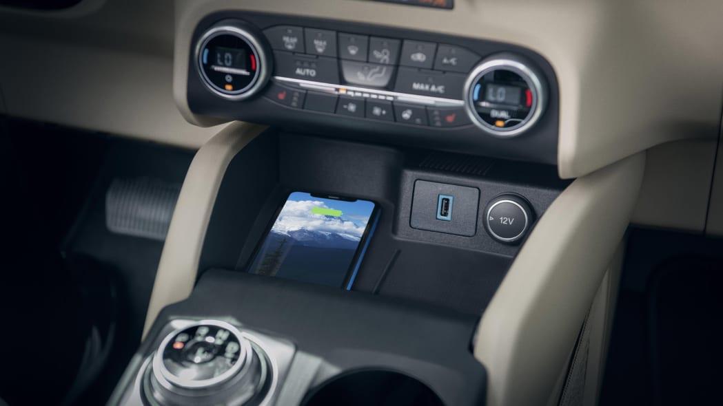 2020-ford-escape-cc-2