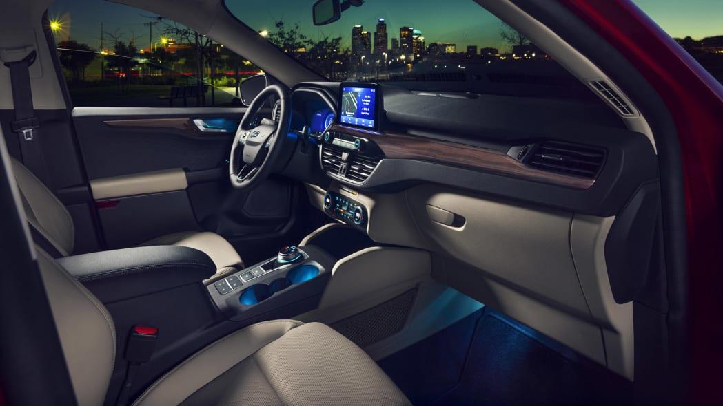 2020-ford-escape-dash-3
