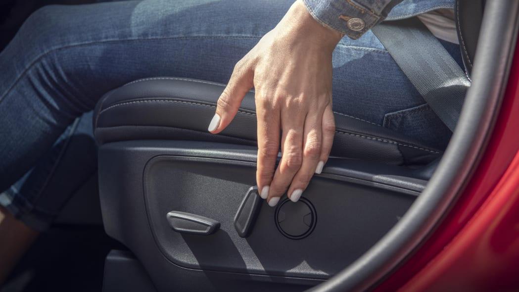 2020-ford-escape-manicure