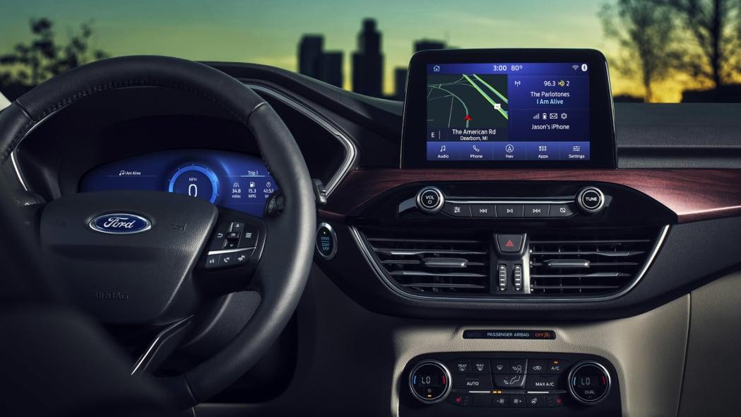 2020-ford-escape-screen-3