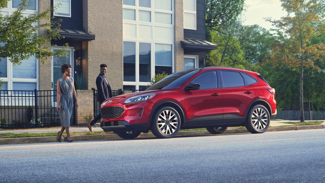 2020-ford-escape-stylishcouple-f34