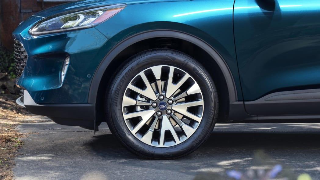 2020-ford-escape-wheel-1