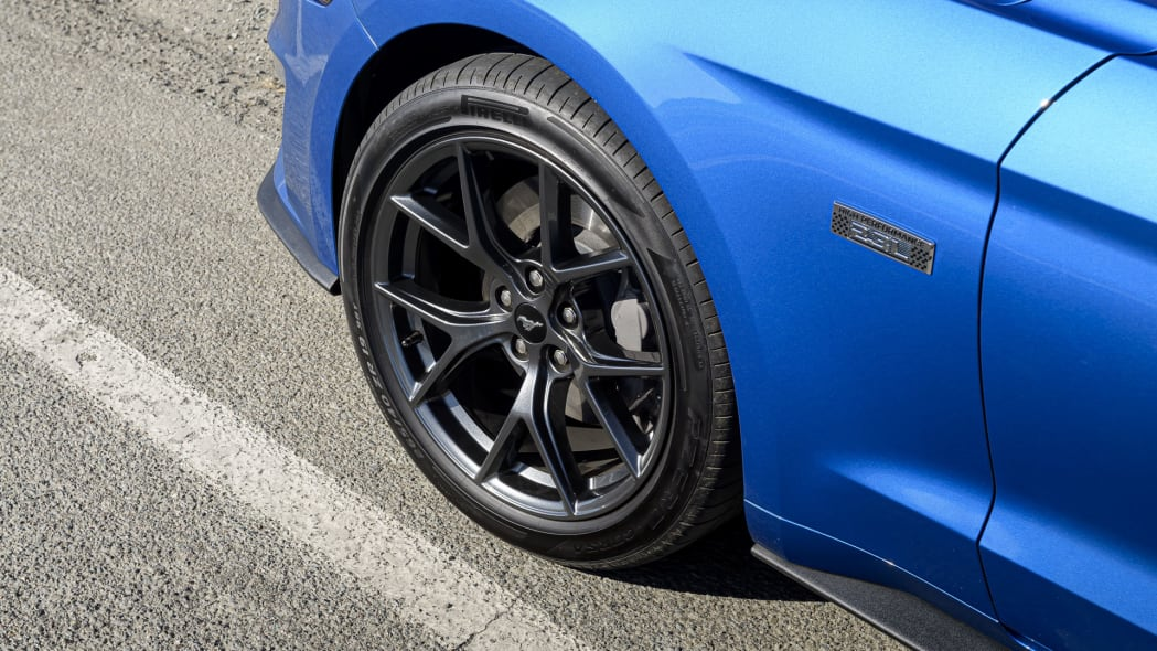 ford-mustang-ecoboost-hpp-cpe-wheel