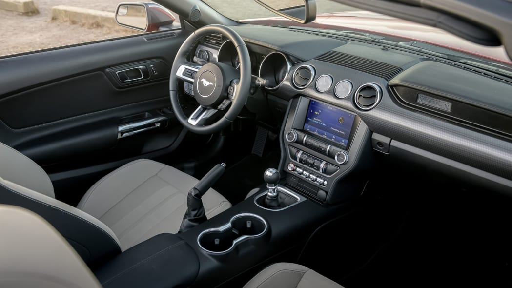 ford-mustang-ecoboost-hpp-dash-2