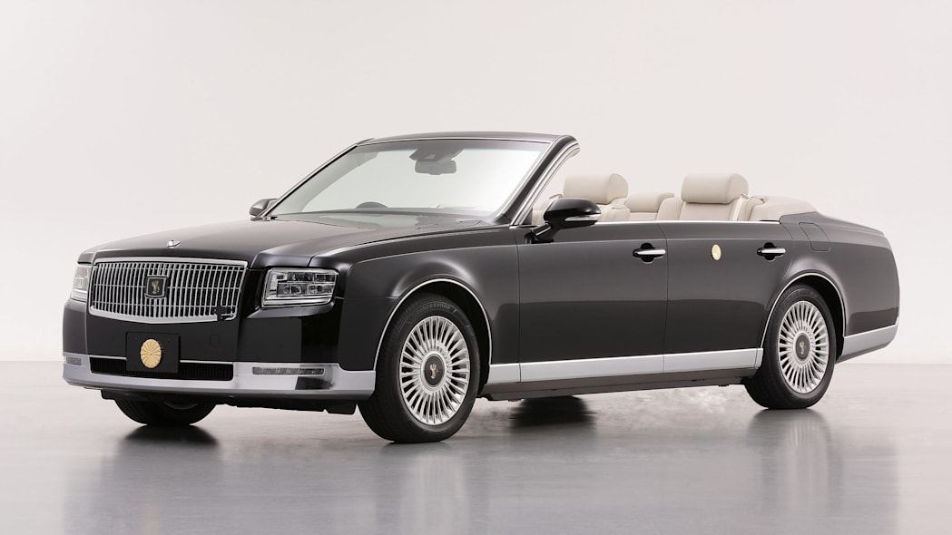 Toyota builds one-of-a-kind Century convertible for Japan's emperor