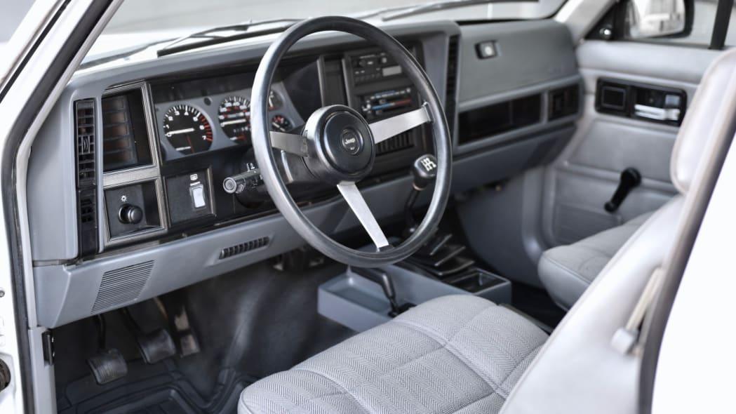 1993_jeep_cherokee_156717573395d565ef66e7d76