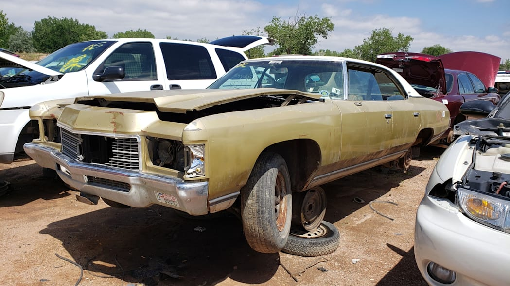 00 - 1971 Chevrolet Impala in Colorado wrecking yard - photo by Murilee Martin