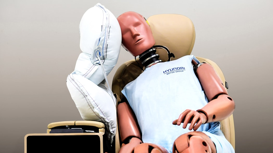 Hyundai develops an airbag to protect you from your passenger, and vice versa