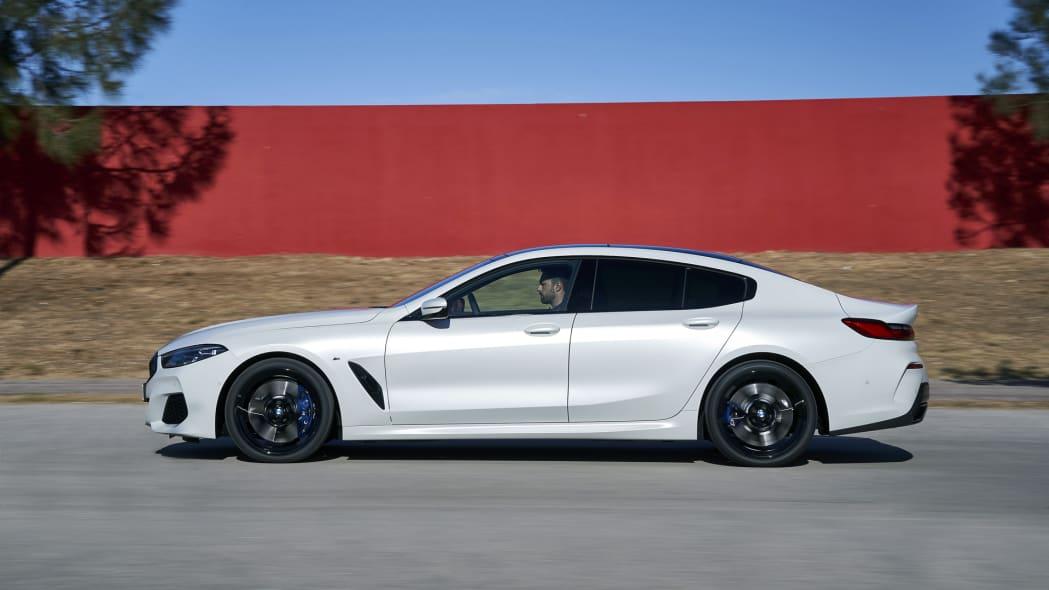 BMW_840i_GranCoupe_act-prf-1