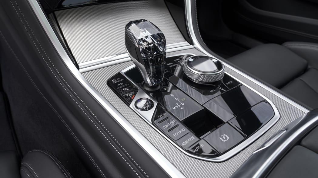 BMW_840i_GranCoupe_int-cc-1