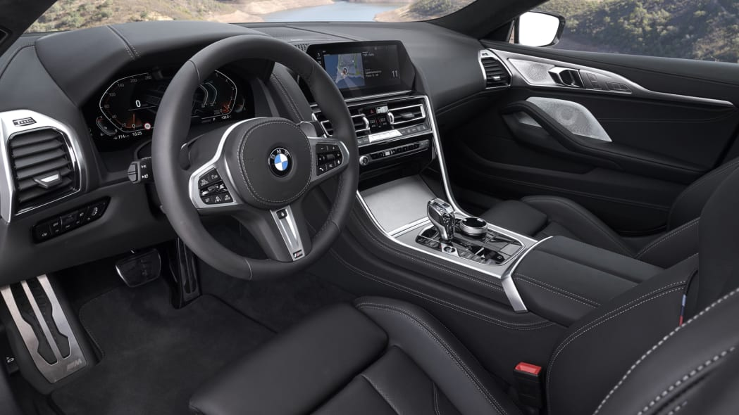 BMW_840i_GranCoupe_int-dash-1