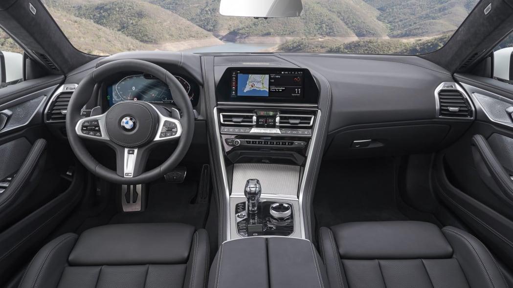 BMW_840i_GranCoupe_int-dash-2