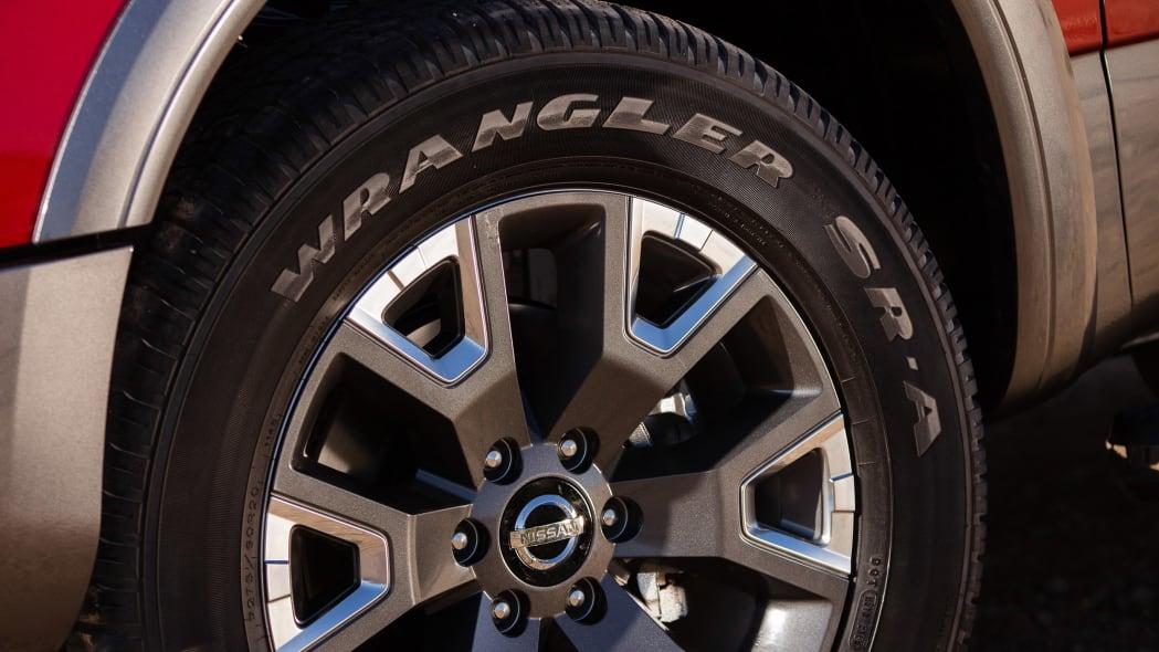 2020 Nissan TITAN Platinum Reserve-8