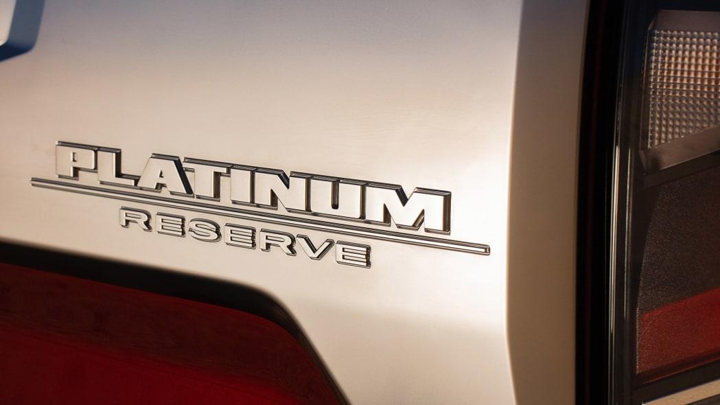2020 Nissan TITAN Platinum Reserve-11