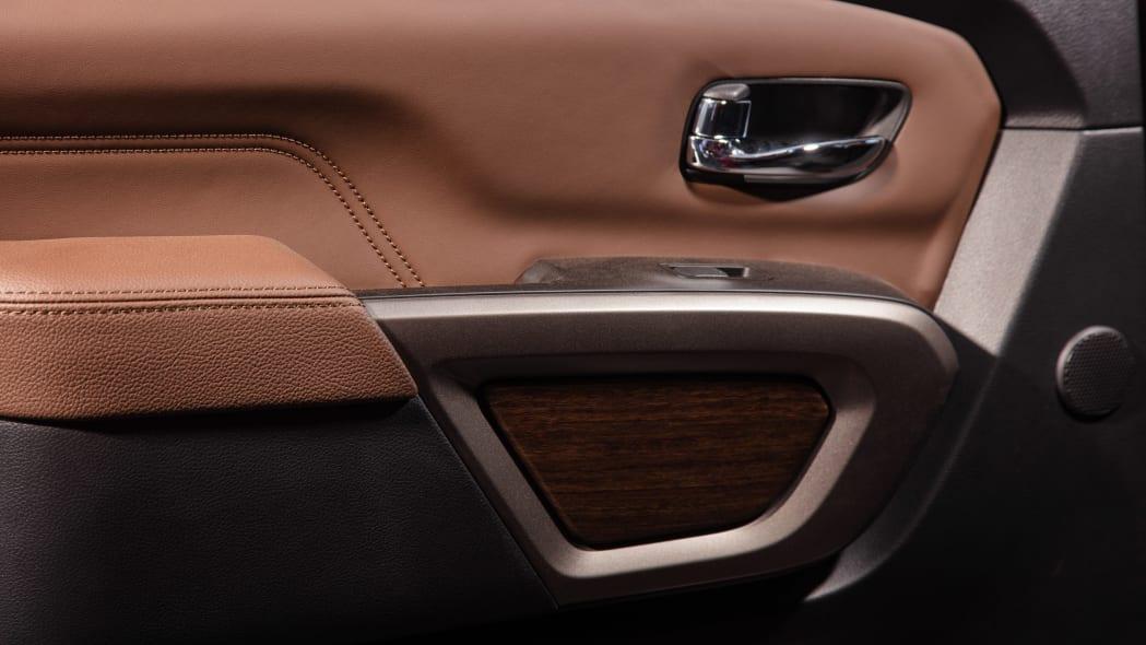 2020 Nissan TITAN Platinum Reserve-24